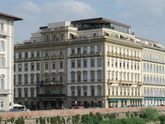 The Westin Excelsior Florence: 远观
