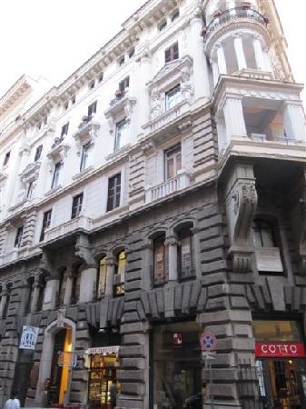 Hotel Le Petit: 建筑