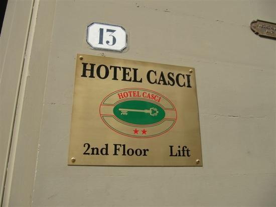 Hotel Casci: 标牌