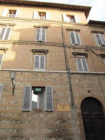 Casalbergo: 建筑
