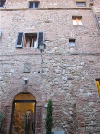 Albergo Duomo: 门前