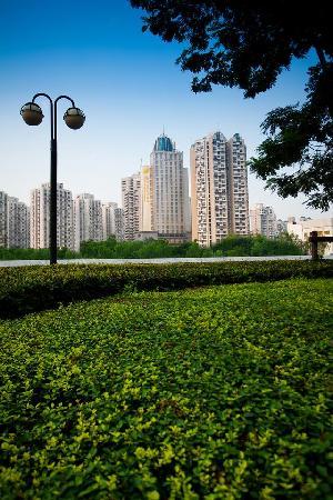 Puxi New Century Hotel Shanghai: 酒店外景