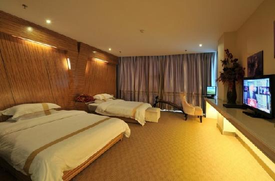 168 Boutique Hotel: 空间较大的豪华双人间