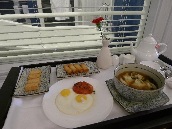 Le Sun Chine: 早餐被端进了屋子