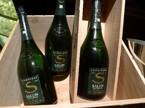 Le Sun Chine: 据说这个酒特别贵,好像1万元1瓶,可能是我记错了