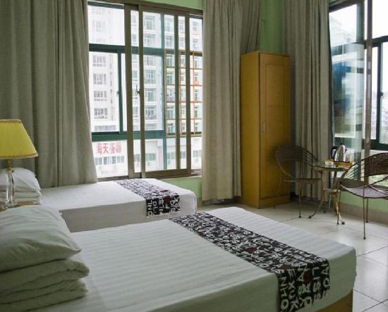 Haishan Family Hotel: A栋-落地窗舒适标准间