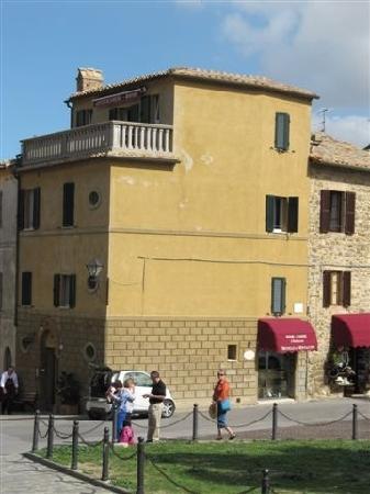 Il Barlanzone: 建筑