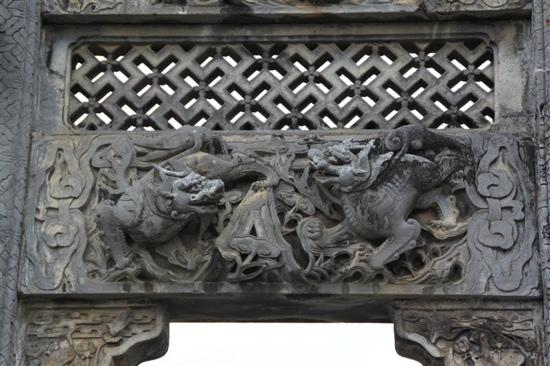 Hu Wenguang Provincial Governor Archway: 雕像