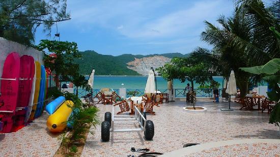 Yuehai Beach Resort Sanya: 超大院子