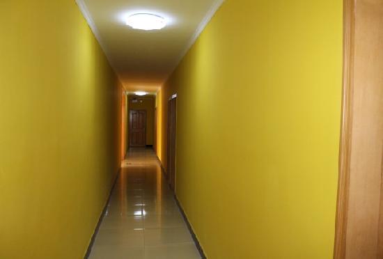 Jinfenglanxiang Hostel: 走廊
