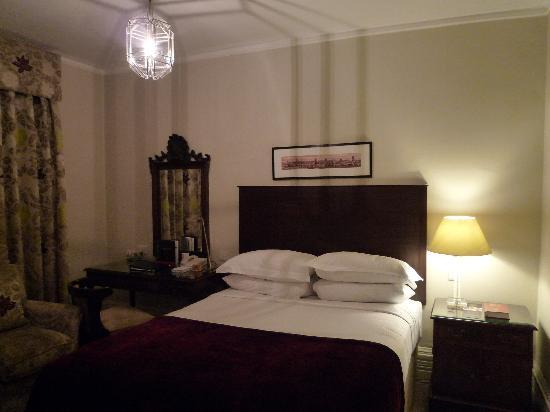Macdonald Randolph Hotel: 房间