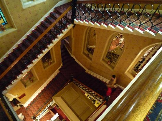 Macdonald Randolph Hotel: 楼道