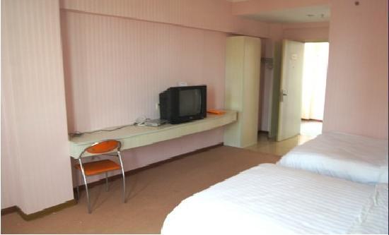Jinle Zhixing Business Hotel: 标间