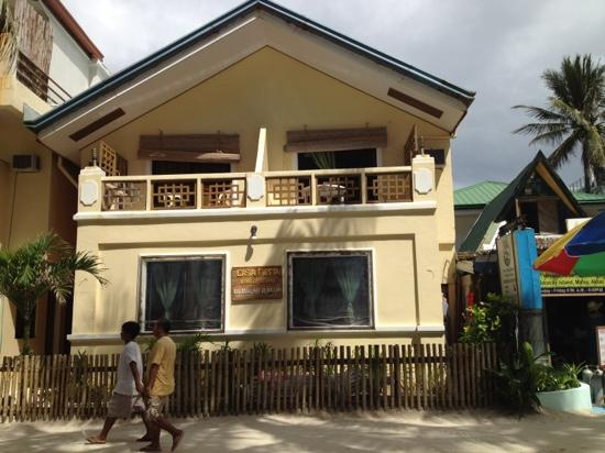 Casa Fiesta Beach Resort: casa