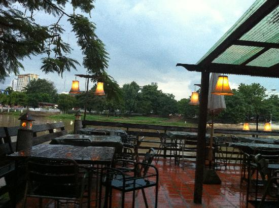 The Good View Bar & Restaurant Chiang Mai: 1