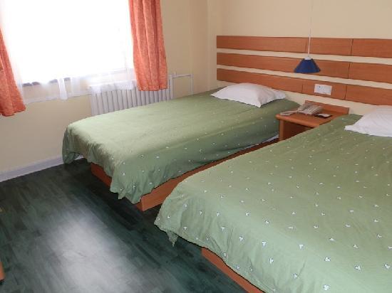 Home Inn Qingdao Hong Kong Middle Road Maidao Jin'an: 标准双人房
