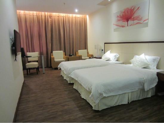 Fengyi Caifu Hotel: 照片描述