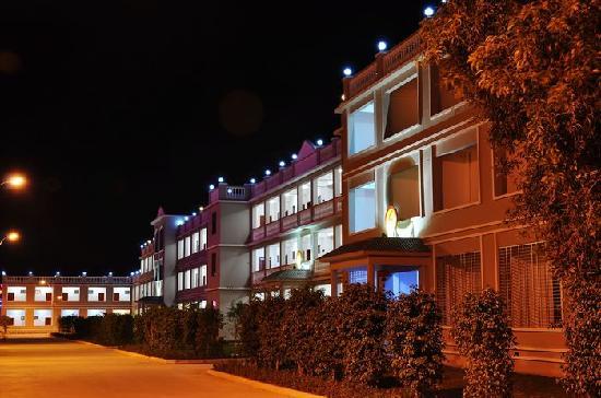 Longxing Laiman Haijing Holiday Hotel