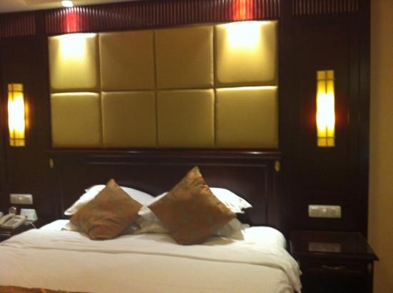 Oriental Riverside Hotel: 标准间