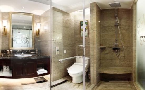 Changshu World Trade International Hotel: 客房卫生间