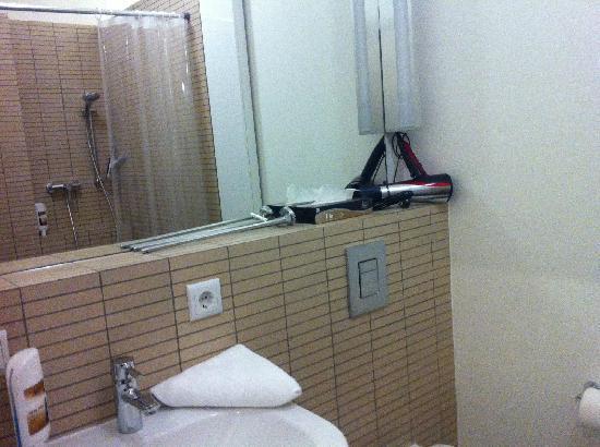 Stars Guesthouse Berlin: 浴室1