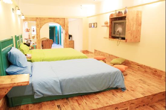 Yuanfang Youyiceng Boutique Hostel Sanya Dadonghai: 雅致双床房