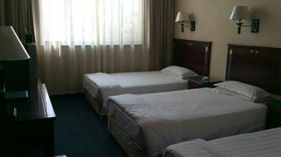 Nan Yuan Hotel : 一楼三人间