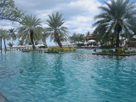 Dusit Thani Hua Hin: 园景