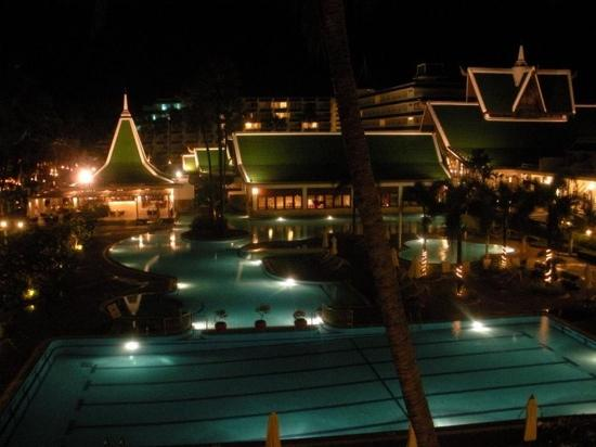 Le Meridien Phuket Beach Resort: 夜景