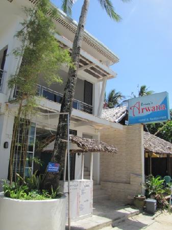 Grand Blue Beach Hotel: arwana