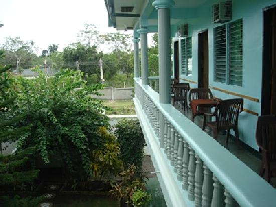 Citadel Alona Inn: 阳台