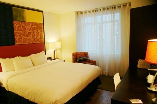 Hotel Indigo New York City, Chelsea: 大床