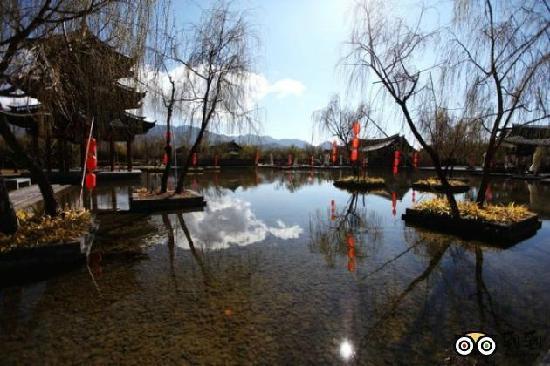 Banyan Tree Lijiang: 湖光山色