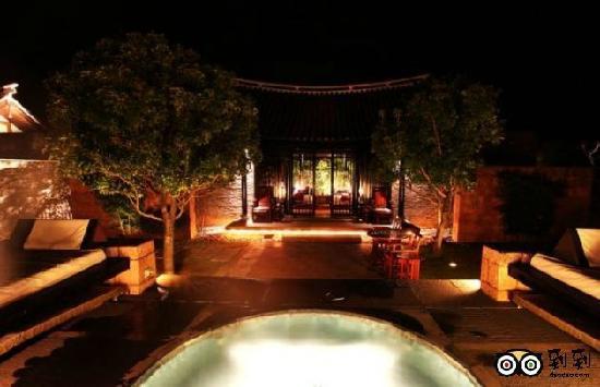 Banyan Tree Lijiang: 恒温水池