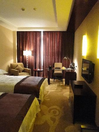 Soaring International Hotel: 标间客房