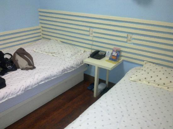 Gulou Holiday Hostel: 杭州鼓楼假日旅馆