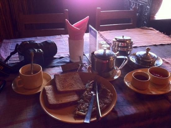 Shiva Guest House1 & 2: GH含的早餐