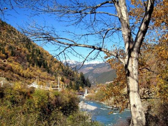Barkam County, Trung Quốc: 梭磨河谷