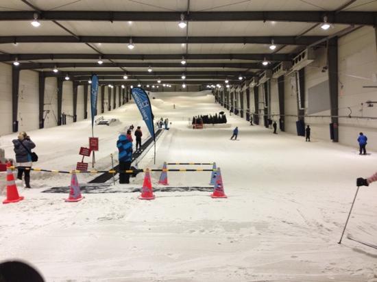 Snowplanet : 室内滑雪场