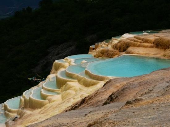 White-Water Terraces (Baishuitai): 白水台