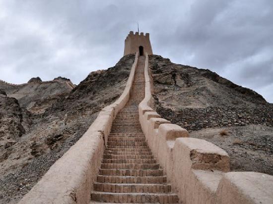 East Great Wall : 嘉峪关长城
