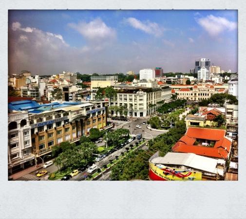 Oscar Saigon Hotel: 早餐窗外