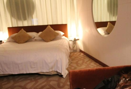 Kempinski Hotel Chengdu : 凯宾斯基的房间,挺温馨的