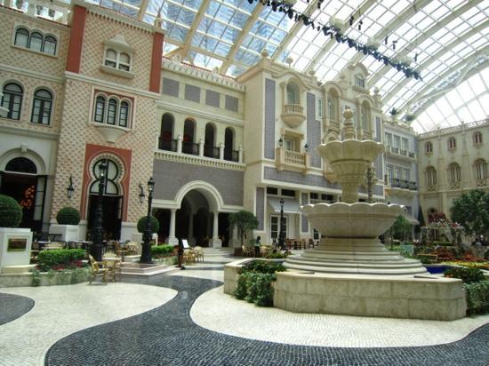MGM Macau: 花园内景