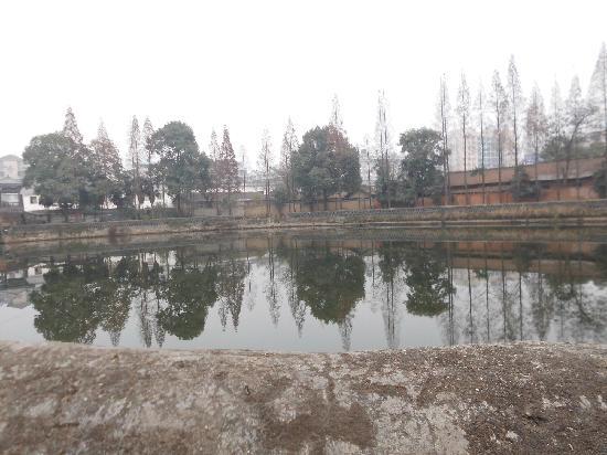 Hanzhong Horsepond: 这就是汉中的汉王刘邦饮马池