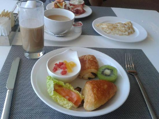 Hotel Novotel Taipei Taoyuan International Airport: breakfast