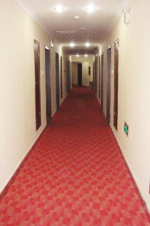Shishang Yayuan Hotel: 宾馆走廊
