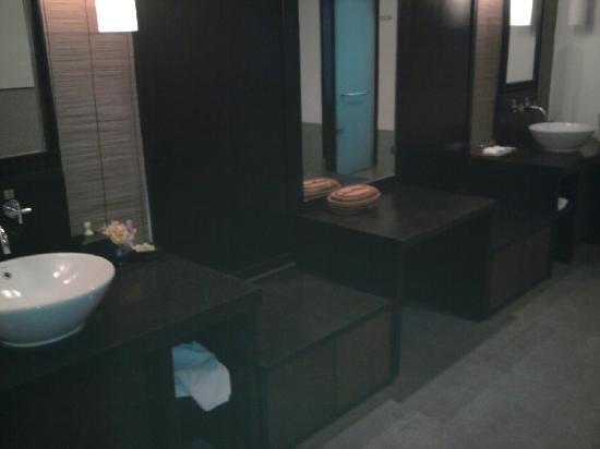 Wanzhen Xiaoyao Hotel: 大浴室1
