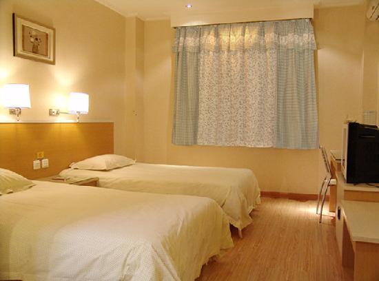 Yangtse River Hotel (Wuhan Jiqing Street) : 标准房