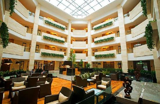 Banshan Hotel: 酒店中庭